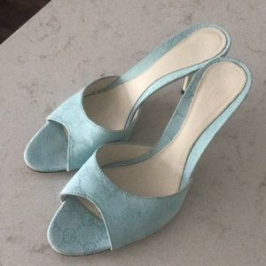 Authentic Gucci blue heels size 37.5 US size 7.5